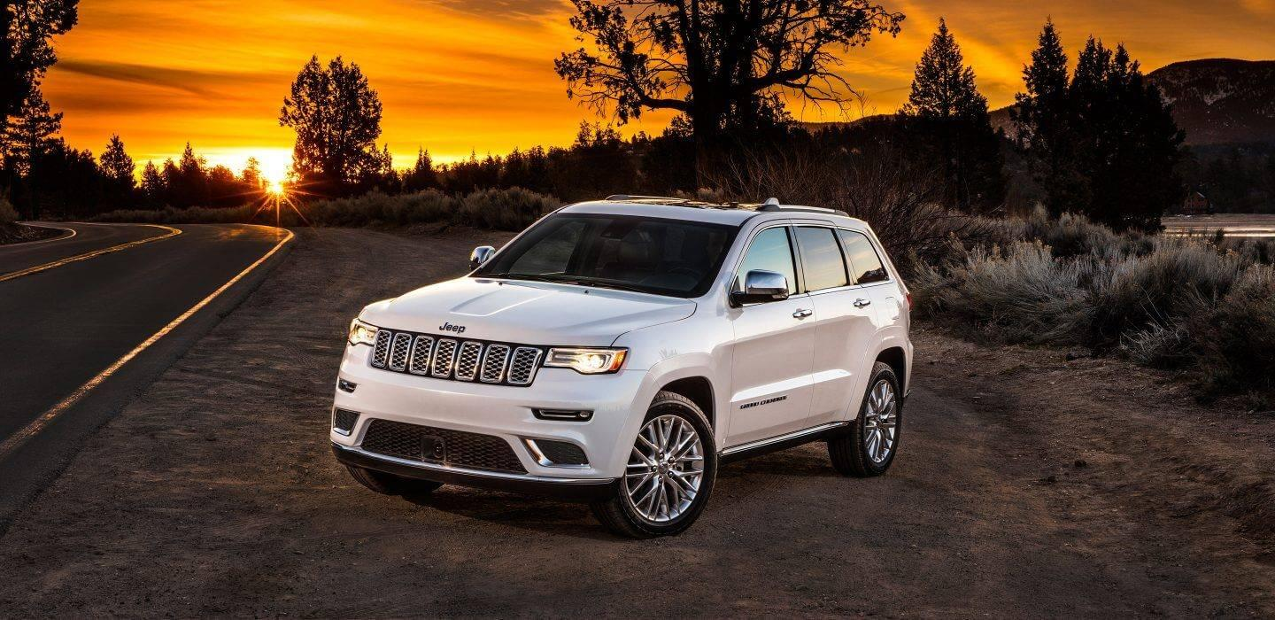 2017-Jeep-Grand-Cherokee-VLP-Gallery-Summit-White