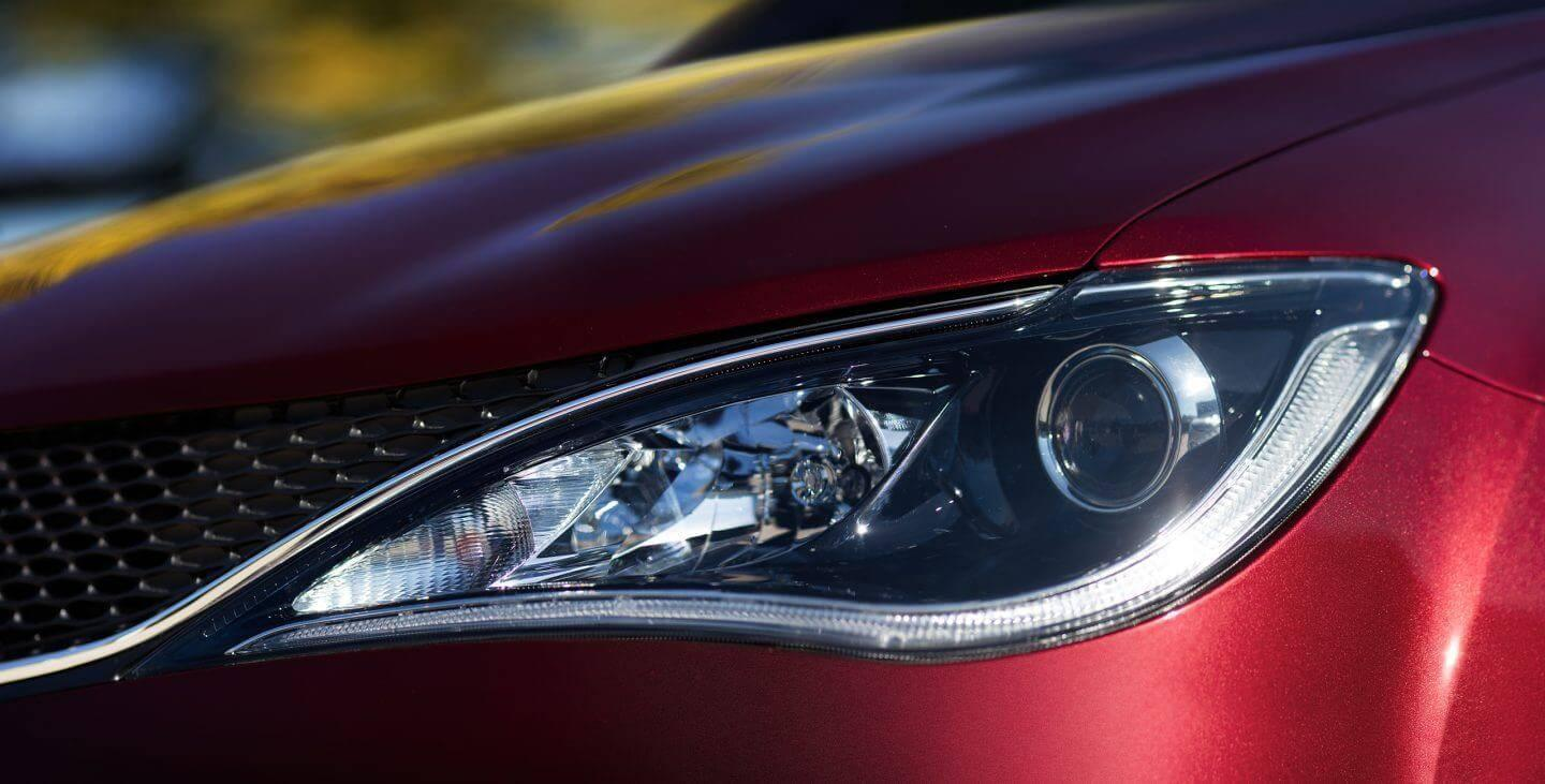 2017-chrysler-pacifica-gallery-exterior-red-headlight-closeup