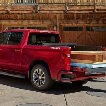 2019-Chevrolet-Silverado-with-Wood-in-Back