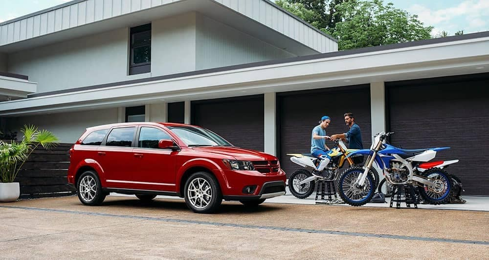 2019-Dodge-Journey-In-Driveway
