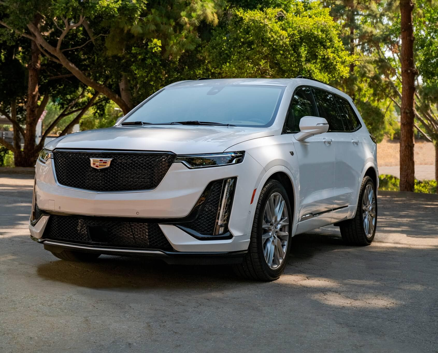 Benefits of Leasing a Cadillac XT6