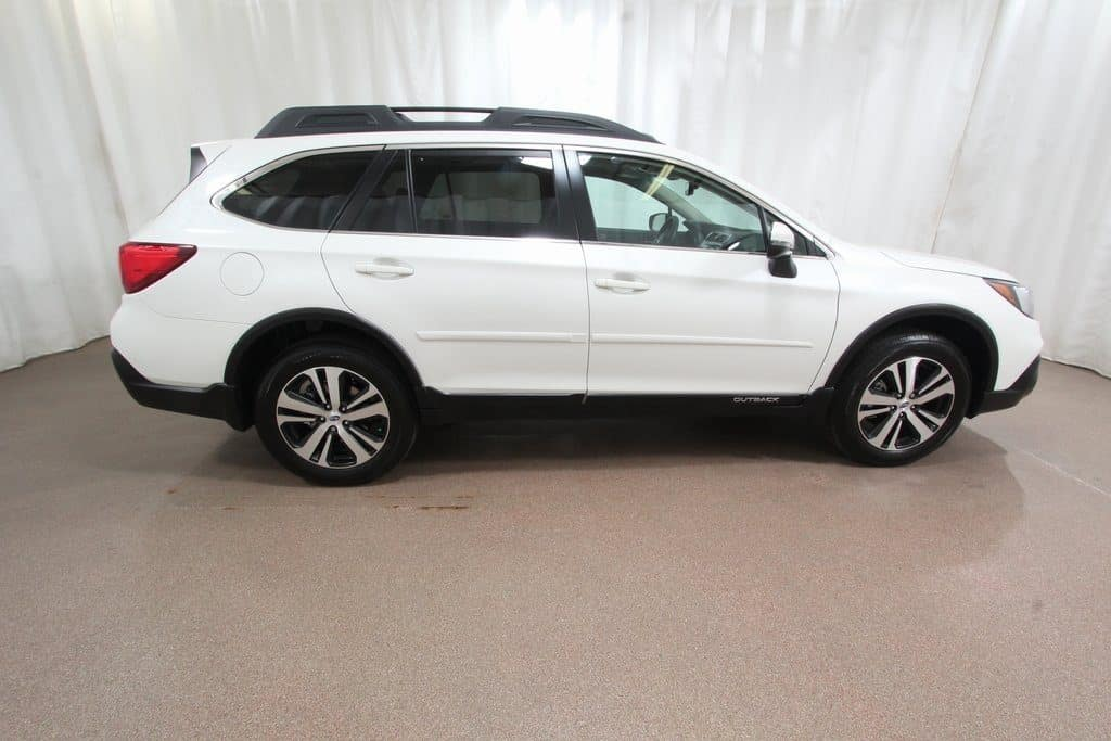 Gentlyl used 2018 Subaru Outback