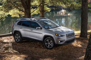 2019 Jeep Cherokee Latitude Plus - Lease for $216/month!