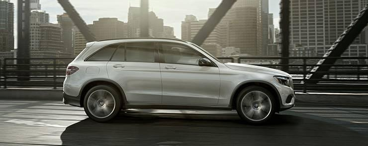 2017-mercedes-benz-canada-glc-white-profile