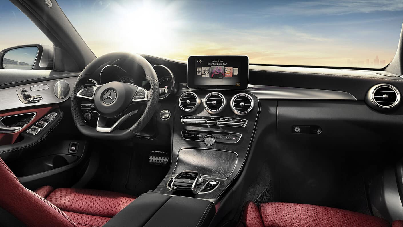 2018 Mercedes-Benz C 300 interior features