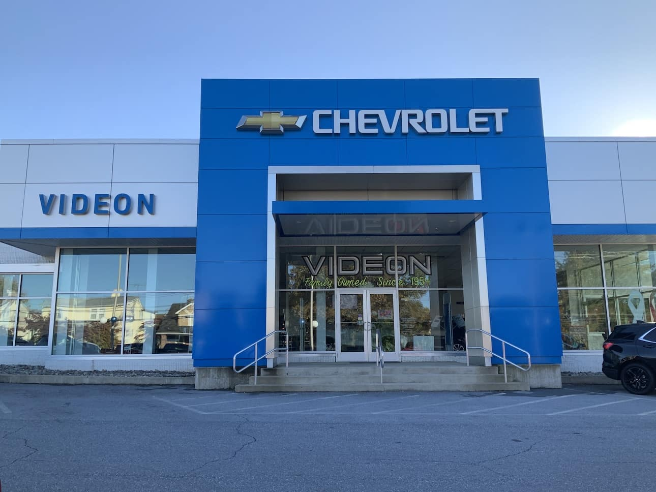 A Picture of the front of Videon Dealership